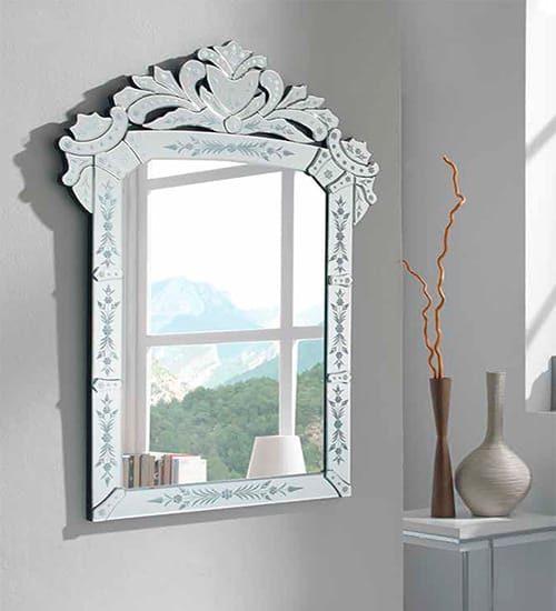 Espejo en plata champagne esfera con un dise o decorativo ideal para hogares con gusto - Espejos con diseno ...