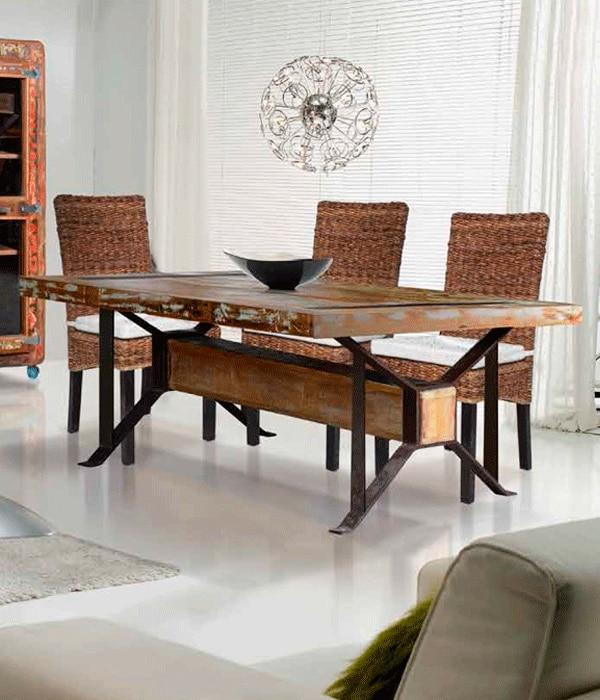 SILLA CAPITONE ANTICA, silla decorativa y utilitaria para comedores.